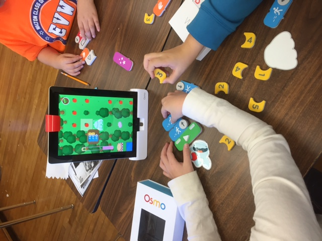 students using Osmo